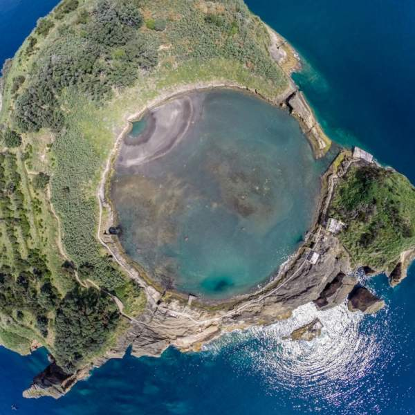 The islet of Vila Franca Campo and its natural swimming pool