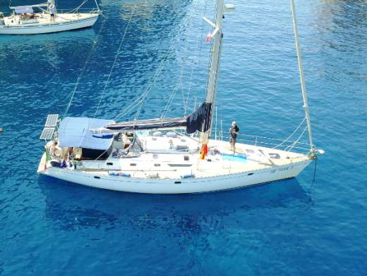 Cabin Cruise in the Eolian Islands