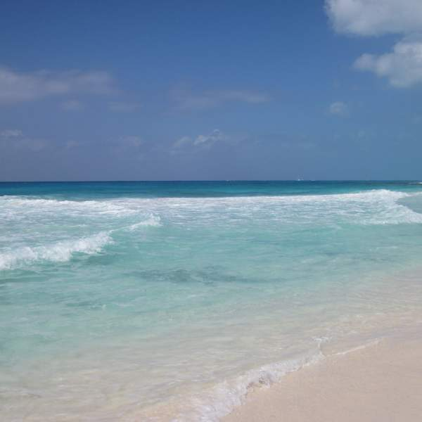The clear water of Playa Mal Tiempo